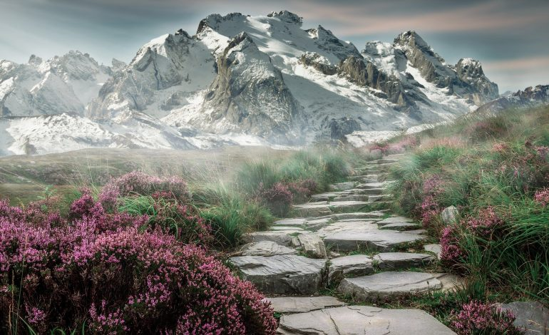 Co zabrać ze sobą na wędrówkę po górach?